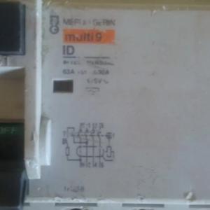 DISJUNTOR DIFERENCIAL MERLIN GERIN 63A MULT9 K08483