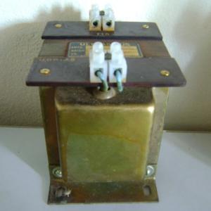 TRANSFORMADOR ULTRASINUS 480/115V